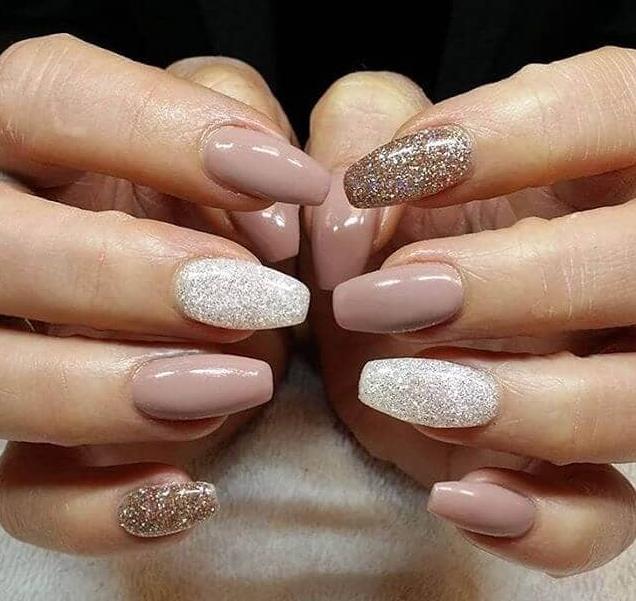sköra naglar efter akryl